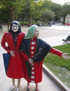 "Famosa statua di ""Las Dos Marías"" nel parco dell'Alameda a Santiago de Compostela"