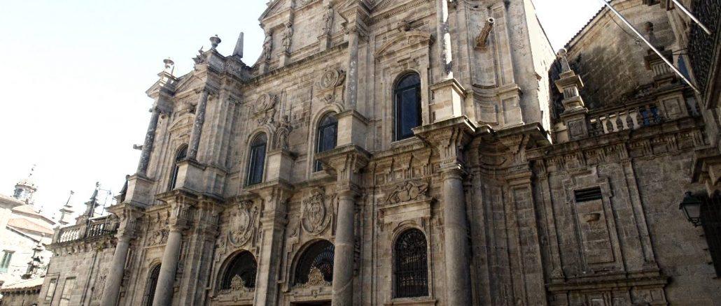 Ingresso della cattedrale da Piazza dell'Inmaculada di Santiago de Compostela